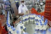 قیمت شیر ۲۵ درصد گرن تر از قیمت جهانی است