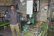 روایت کارآفرینی جوان بسیجی با دستان خالی ولی اراده قوی