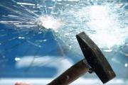 روایت بانوی کارآفرینی که با فوت شیشه گری سقف شیشه ای را شکست